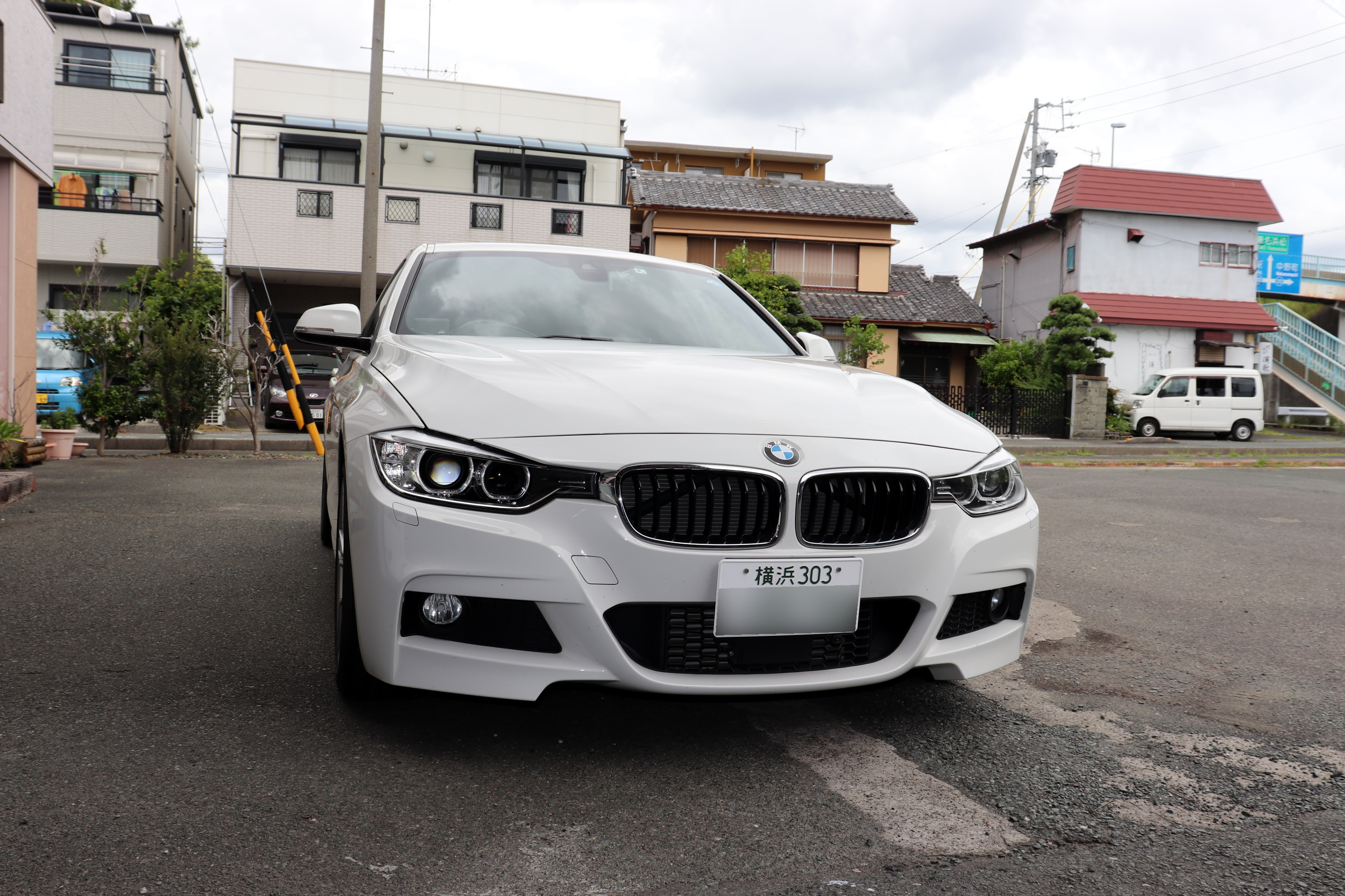 BMW F30 320d 鬼アライメント調整&ボッシュ エアコンサービス