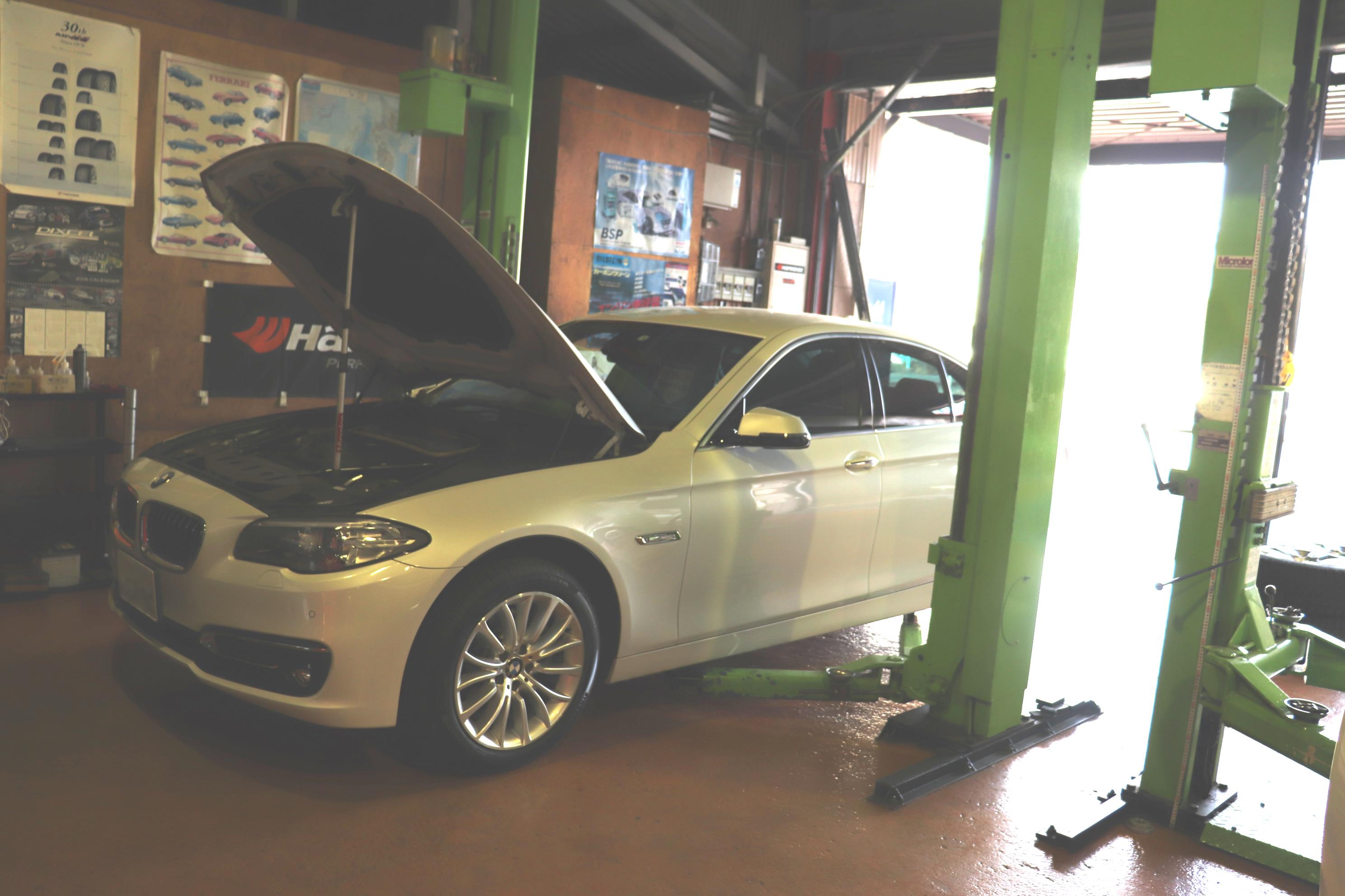 BMW F10 523d オレンジウルフ ディーゼル専用エンジンオイルへと交換!